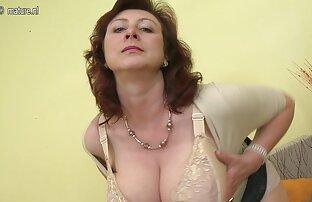 Nhỏ ngực Pascalle lấy vòi nước phim xx hd